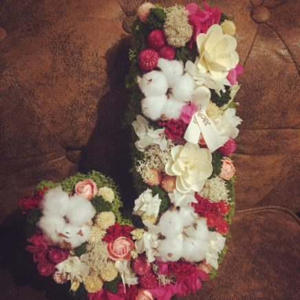 Flor artificial y preservada