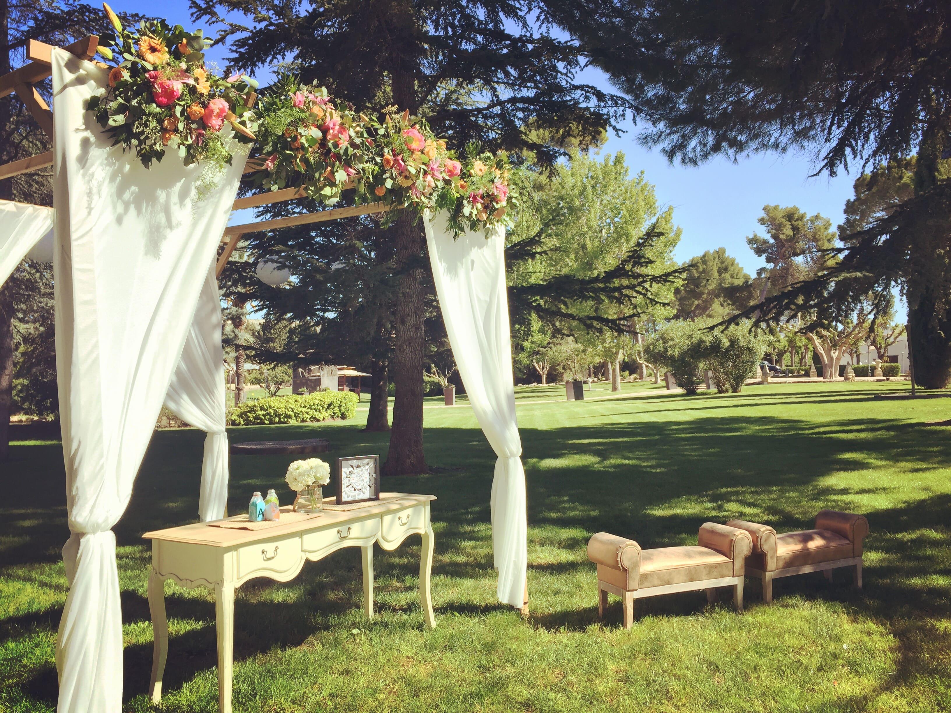 Las bodas en fincas, al aire libre, están de moda